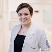 Dra. Carolina Rebello